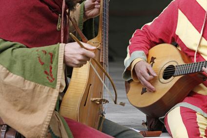 Sons de guitarra da Idade Média